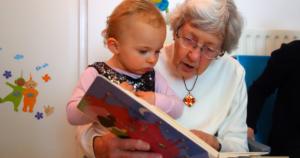 おばあちゃんの読み聞かせ